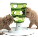Sélection d'accessoires de Noël pour votre chat : le labyrinthe de chez Catit